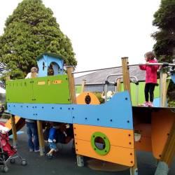 Parquinho público – Kinsale