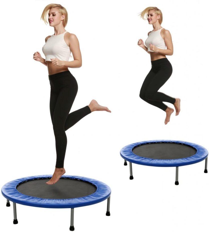 pulando no trampolim 920x1024 - Benefícios do Jump: divertido, rápido e ideal para emagrecer