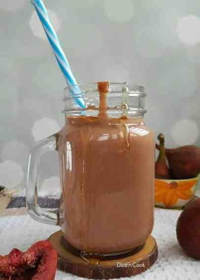 Fresh-fig-honey-smoothie
