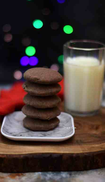 ginger-flavored-chocolate-cookies