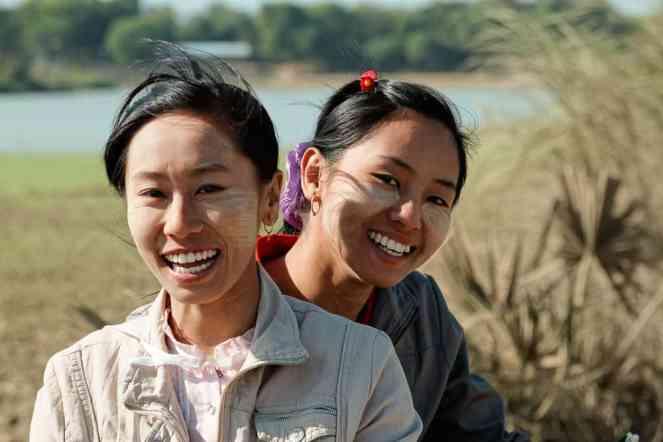 Expo femmes & enfants birmans-18