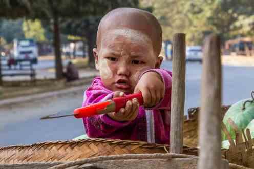 Expo femmes & enfants birmans-8