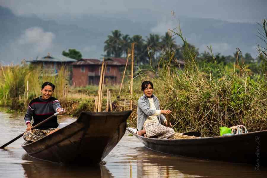 Les barques sont indispensables pour se déplacer