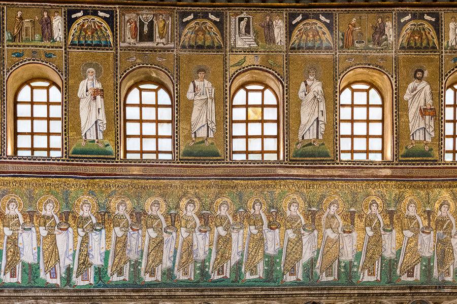 Mosaïque de style byzantin dans la nef de Sant'Apollinare Nuovo