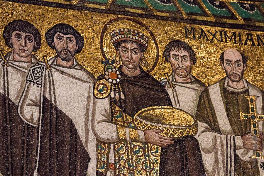 Détail de la mosaïque représentant l'empereur Justinien