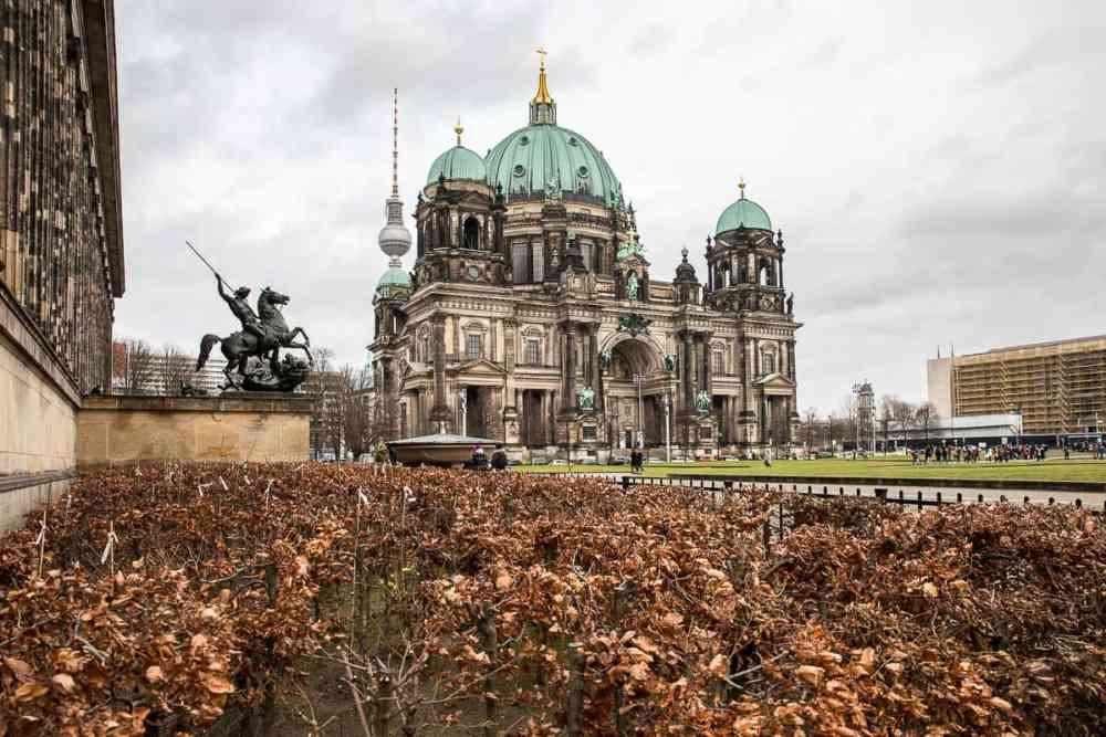 Dom Berlin vu de loin