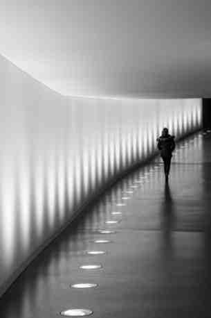 Photo de Mo dans le passage souterrain du Reichstag à Berlin
