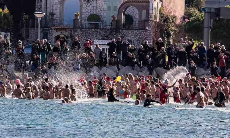Le bain du jour de l'an 2019 à Antibes - 12