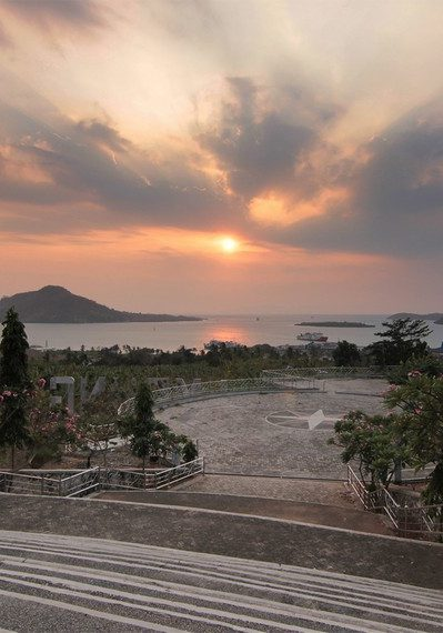 10 Gambar Menara Siger di Lampung Selatan Tiket Masuk