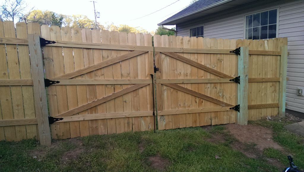 Dog Ear Vinyl Privacy Fence