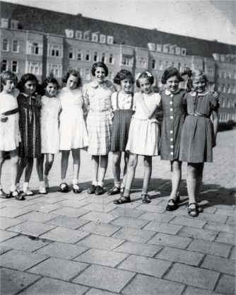Anne Frank- tweede van links-12 juin 1939