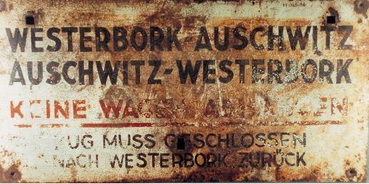 Panneau sur le train Westerbork-Auschwitz