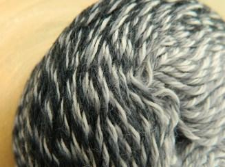 © Die Maschen zum Glück   Zauberwolle Bobbel Schatten von Schoppel Wolle