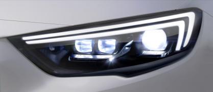 New Opel Insignia Grand Sport - IntelliLux LED® matrix light