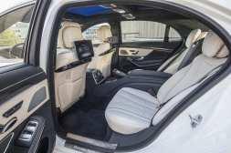 Mercedes-Benz S-Klasse S 560, designo diamantweiss bright; Kraftstoffverbrauch kombiniert: 7,9 l/100 km; CO2-Emissionen kombiniert: 181 g/km// Mercedes-Benz S-Class S 560, designo diamond white bright; Fuel consumption combined: 7.9 l/100 km; combined CO2 emissions: 181 g/km
