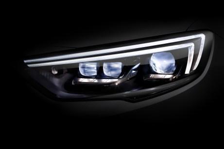 Popular highlight: 63 percent of new Opel Insignia buyers order the innovative IntelliLux LED® matrix lighting system.
