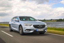 On the road to success: The great looks, rewarding driving experience and high level of comfort make the new Opel Insignia (here the Sports Tourer station wagon) highly popular.