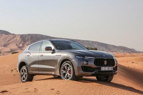 Ein Italiener in der Wüste: Der Maserati Levante muss sich in den Dünen von Dubai beweisen. © Maserati
