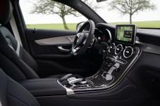 Innen zeigt sich das SUV sportlich, übersichtlich und mit edlen Materialien ausgestattet. © Mirko Stepan / mid