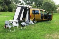 Günstig ist der Freizeitspaß beim VW Caddy Beach. Den gibt es mit Campingausstattung schon für weniger als 23 000 Euro. Foto: Auto-Medienportal.Net/Michael Kirchberger