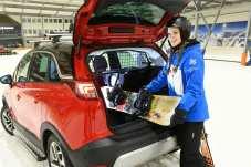 Das Snowboard passt auch in den Gepäckraum. Foto: Opel
