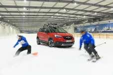 Der Opel Crossland X besitzt nun ein spezielles Zubehör-Programm für den Winterurlaub. Foto: Opel