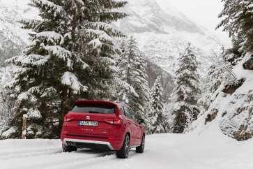 Der Seat Ateca im tief verschneiten Tirol. Foto: Seat