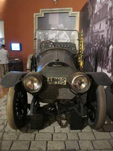 Auf dem Kühler nach einer Lizenz von Mercedes steht noch Gräf & Stift