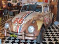 In einem US-Diner der 70er Jahre steht Herbie in Hessisch Oldendorf