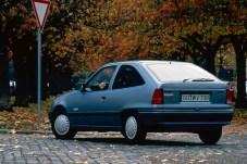 1990 baut die Opel-Vorausentwicklungsabteilung einen Kadett als seriennahes Elektrofahrzeug mit fünf Sitzplätzen. © Opel