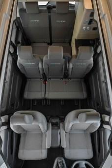 Mit einer zweiten Sitzbank finden bis zu sieben Mitfahrer Platz. © Citroen