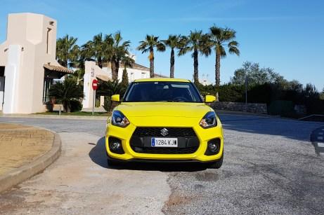 Die Farbe Champion Yellow passt perfekt zu dem Swift Sport. © Jutta Bernhard / mid