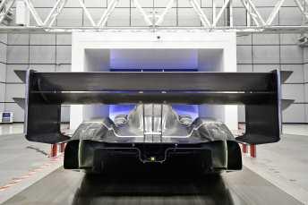 Mit dem überdimensionalen Heckflügel erzeugt der I.D R Pikes Peak enorm viel Abtrieb. Foto: VW