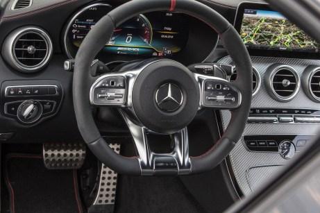 Neu im Cockpit ist unter anderem das Design des Lenkrads. © Daimler