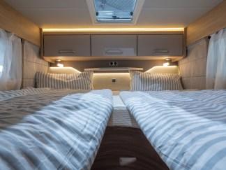 Werden immer mehr nachgefragt: Längsbetten, wie hier im Knaus Van Ti Plus. Foto. Knaus
