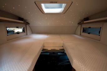 Über dem Bett im Alkoven gibt es im e.home sogar einen Sternenhimmel