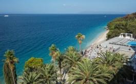 Das Viereinhalb-Sterne-Hotel TUI Blue Jadran in erster Strandlage in Tučepi an der Makarska Riviera richtet sich an ein internationales und lifestyleaffines Publikum und öffnet am 15. Juni seine Pforten. © TUI