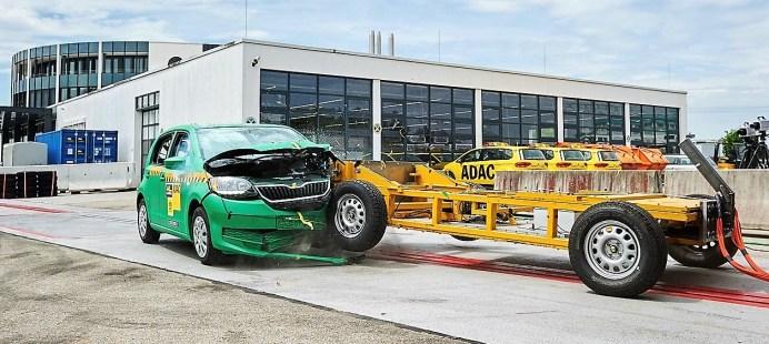 Skoda Citigo beim ADAC-Crashtest. Foto: Auto-Medienportal.Net/ADAC