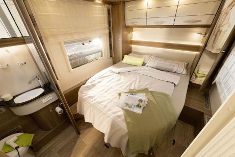 Das Schlafzimmer im Dethleffs Esprit I 7150. Foto: Auto-Medienportal.Net/Dethleffs