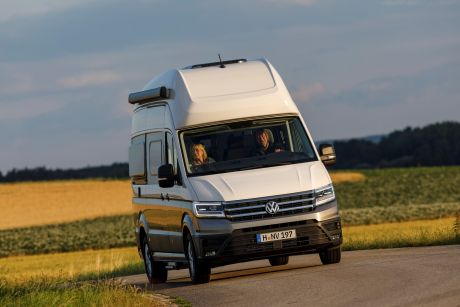 Der Grand Califonria auf Basis des Volkswagen Crafter bietet perfekten Fahrkomfort mit den modernsten Assistenzsystemen. Foto: VW