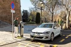 "Der Volkswagen Golf GTE ""tankt"" elektrisch. Foto: Auto-Medienportal.Net/Volkswagen"