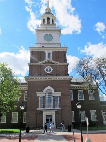 Der Uhrenturm über dem Eingang zum Museum ist eine Replica der Independence Hall in Philadelphia.