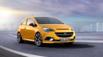 Vorn blickt man in das freche Corsa GSi-Gesicht mit großem Wabengrill und vom zentralen Opel-Blitz. Foto: Opel