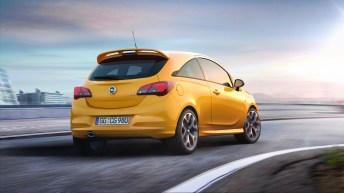 Das sportlich verchromte Auspuffrohr wird von der kraftvoll gezeichneten Heckschürzenlippe in Wagenfarbe umrahmt. Foto: Opel