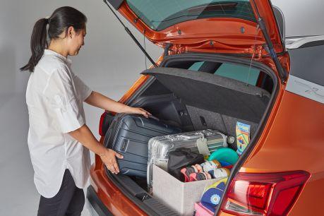 Manche SEAT Modelle bieten mit dem doppelten Ladeboden zusätzlichen Stauraum. Foto: Seat