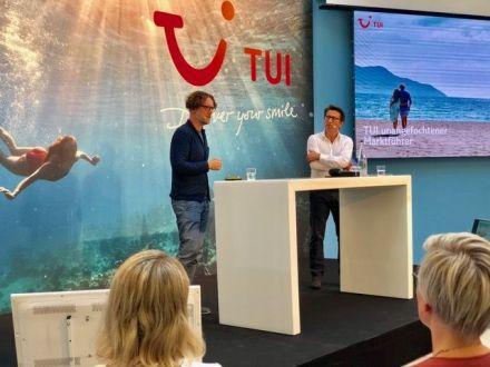 TUI-CEO Marek Andryszak und TUI-Pressechef Mario Köpers bei der TUI-Prorammvorstellung. Foto: Klaus H. Frank