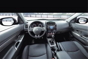 Das Cockpit des Mitsubishi ASX ist weitgehend identisch mit dem des Outlander. Foto: Mitsubishi