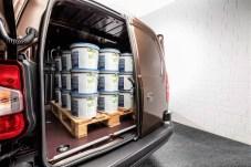 Opel Combo Cargo kann zwei Europaletten schleppen. Foto: Opel