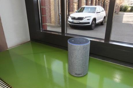 """Das virtuelle Auskunfts-Medium """"Alexa"""" weiß ziemlich genau darüber Bescheid, was mit dem Auto gerade los ist. © Skoda"""