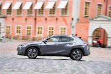Der UX kann sich mühelos mit SUV-Premium-Angeboten anderer Hersteller messen, der Verzicht auf die Augenwischerei mit Plug-in-Hybrid-Technik hält seinen zu erwartenden Preis in milden Gefilden verharren. Foto: Auto-Medienportal.Net/Lexus